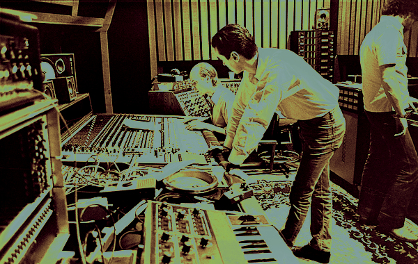 Brian Eno and David Byrne in the studio