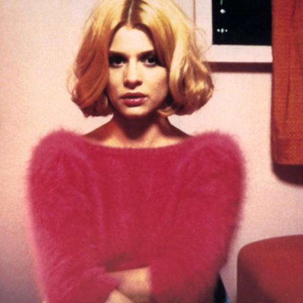 Nastassja Kinski listens to Harry Dean Stanton's story in Paris, Texas